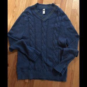 Men GAP V neck Sweater worn once- M